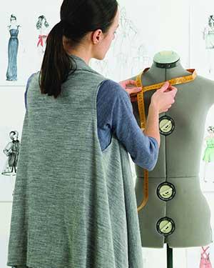 مصمم الأزياء
